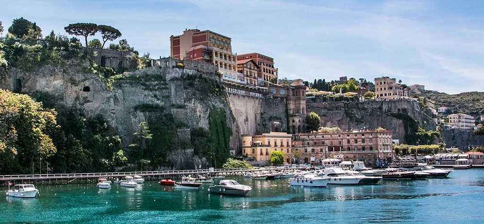 boat transfers from Sorrento to Naples